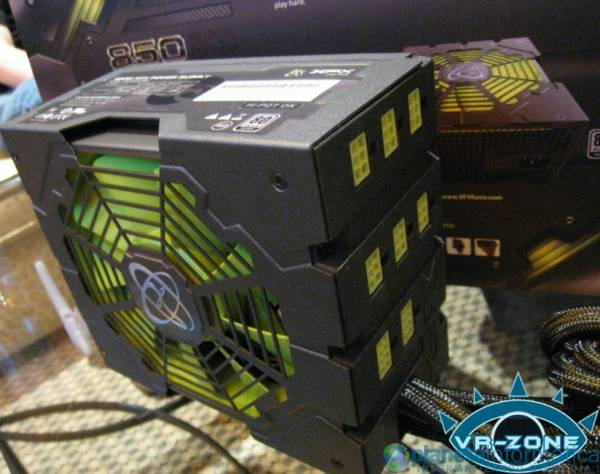 xfxcomputex09 2.thumbnail - [Computex 2009] XFX mostra PSU 850W Black Edition