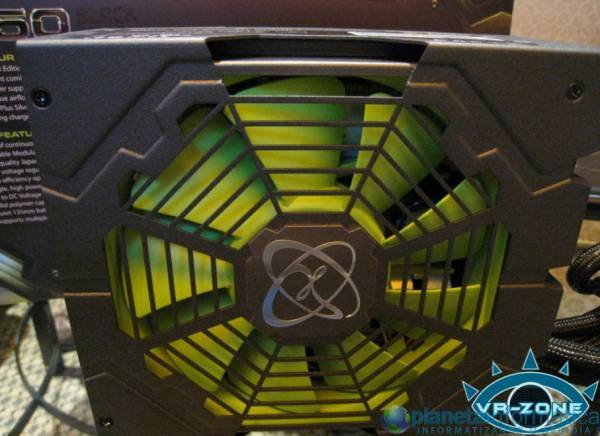 xfxcomputex09 3.thumbnail - [Computex 2009] XFX mostra PSU 850W Black Edition