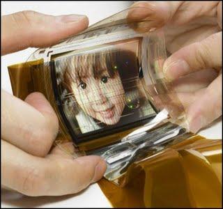 125201 - Americanos criam ecrãs LED flexíveis