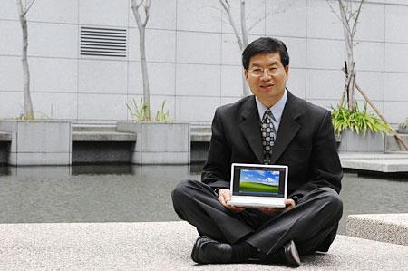 Jerry Shen Eee PC 20091111123519 - Asus vai fabricar novos Eee PC no Brasil