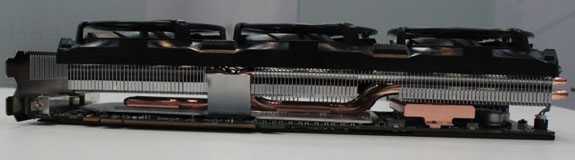 Sapphire Radeon HD 5970 4GB 02 - Primeiras fotos da Sapphire HD 5970, impressionante