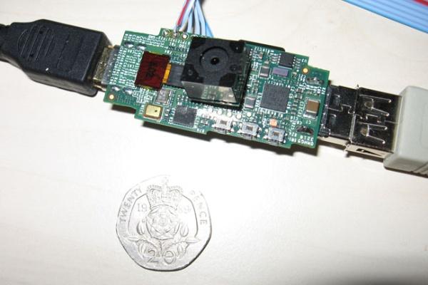 raspberry pi - Um computador do tamanho de uma memória USB por 15 libras