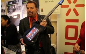 [CES 2012] iPad como uma Guitarra com Ion Audio Guitar Apprentice